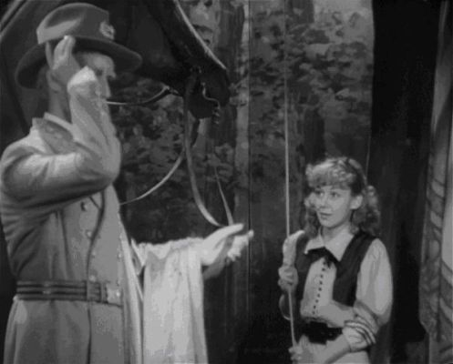Anne Shirley bedient General Lee
