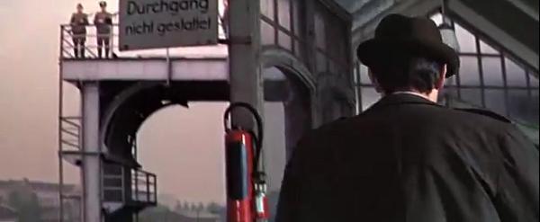 A Dandy in Aspic - 1967 - Anthony Mann 2