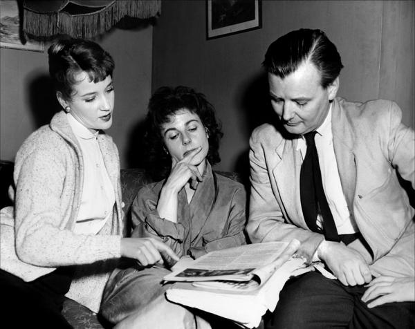 Sylvia Syms, Yvonne Mitchell, J. Lee Thompson